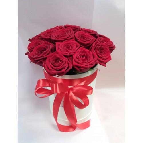Цветочная композиция из 17 роз